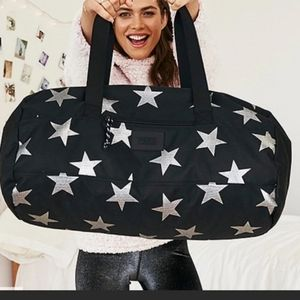 🆕️VS PINK Star Duffle Weekender Bag
